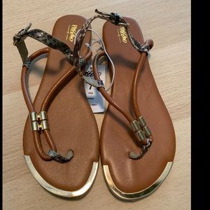 Mossimo size 7 sandals. NWT